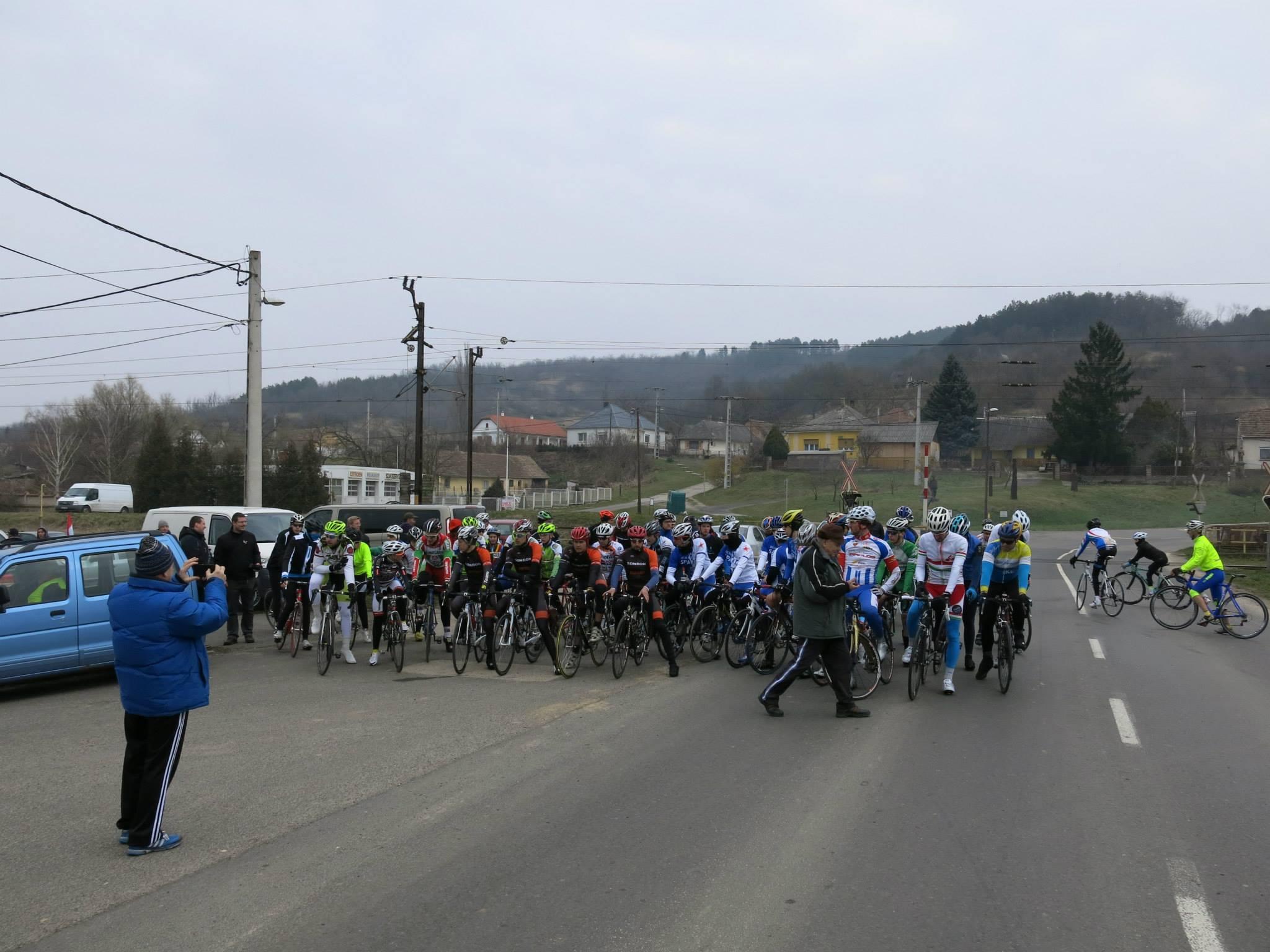 2015. évi Tolna Megyei Kerékpáros Évadnyitó - fotó: Tamási Kerékpársport facebook